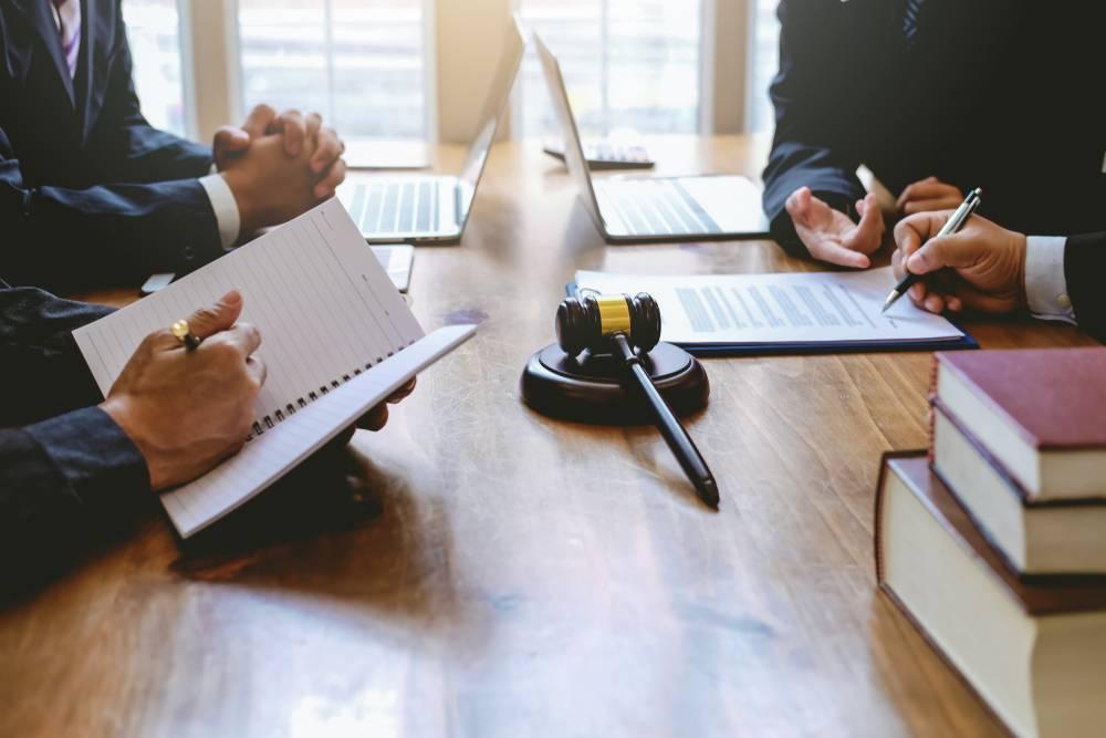 Comprendre le cadre légal et juridique du portage salarial-1